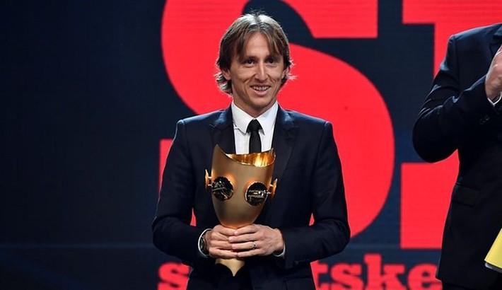 Sau quả bóng vàng, Modric tiếp tục được vinh danh ở Croatia - Ảnh 1.