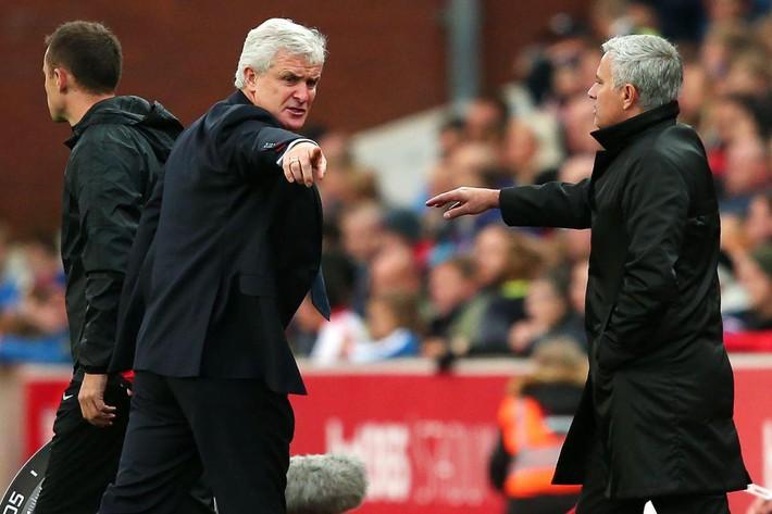 Học trò cũ của Sir Alex bất ngờ mất việc sau khi khiến Man United khốn khổ - Ảnh 1.
