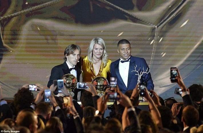 Nhận số phiếu vượt trội, Modric ẵm QBV 2018, cho Ronaldo - Messi thành dĩ vãng - Ảnh 3.
