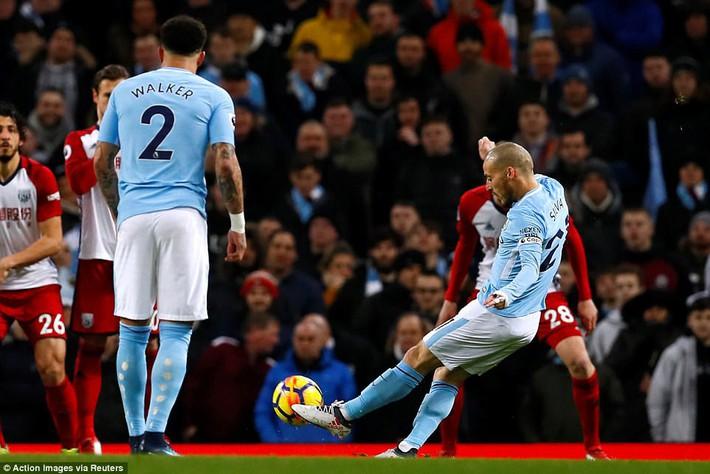 Tân binh 57 triệu bảng ra mắt, Man City sạch lưới, thắng dễ như trở bàn tay - Ảnh 4.