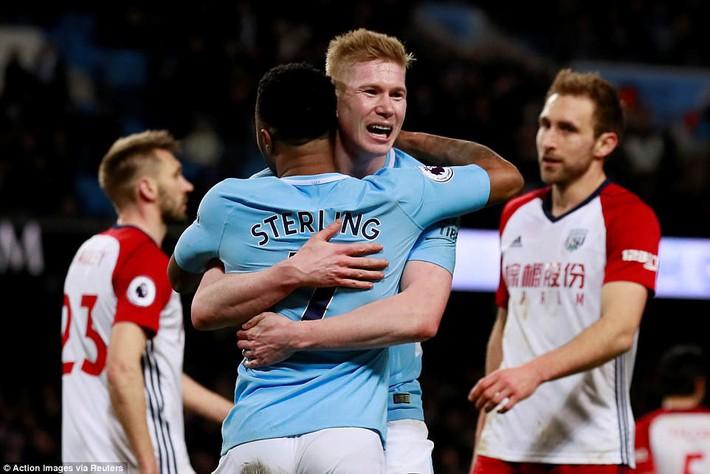 Tân binh 57 triệu bảng ra mắt, Man City sạch lưới, thắng dễ như trở bàn tay - Ảnh 15.