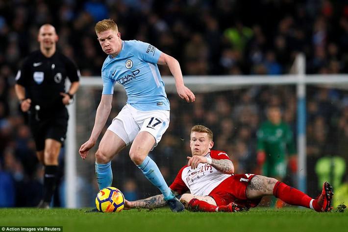 Tân binh 57 triệu bảng ra mắt, Man City sạch lưới, thắng dễ như trở bàn tay - Ảnh 17.