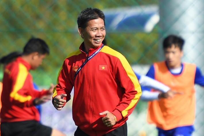Quả bóng ghi dấu Quang Hải, Tiến Dũng gây quỹ từ thiện gần 3 tỷ đồng - Ảnh 3.