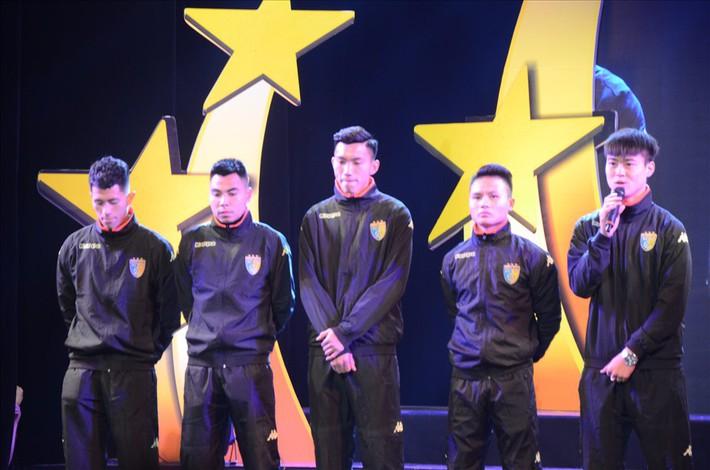 5 cầu thủ U23 Việt Nam được tặng biểu tượng Thánh Gióng - Ảnh 3.