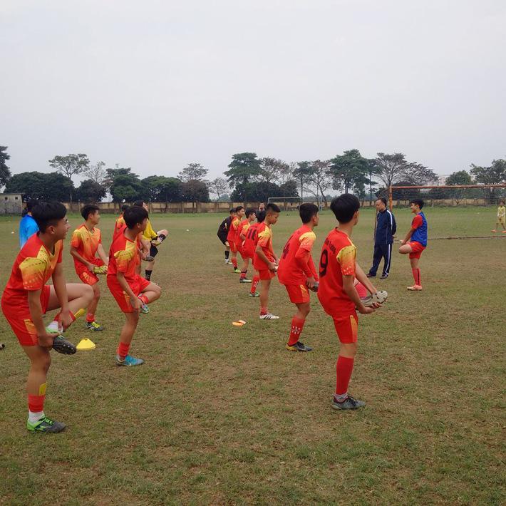 Quang Hải, Văn Hậu và Đức Huy truyền cảm hứng cho các cầu thủ trẻ - Ảnh 8.