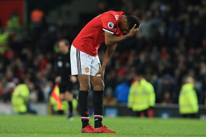 Marcus Rashford: Mourinho bó tay, Man United phập phồng lo sợ cho viên ngọc quý - Ảnh 3.