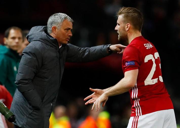 Từ lời biện hộ của Mourinho đến nỗi buồn thua trận của HAGL - Ảnh 1.