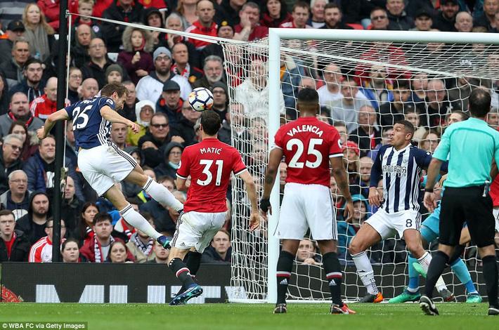 Copy công thức chiến thắng không thành, Man United sụp hầm trước đội bét bảng - Ảnh 10.