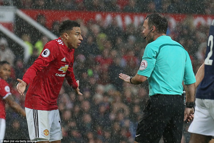 Copy công thức chiến thắng không thành, Man United sụp hầm trước đội bét bảng - Ảnh 19.