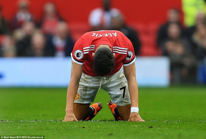 Copy công thức chiến thắng không thành, Man United sụp hầm trước đội bét bảng - Ảnh 25.