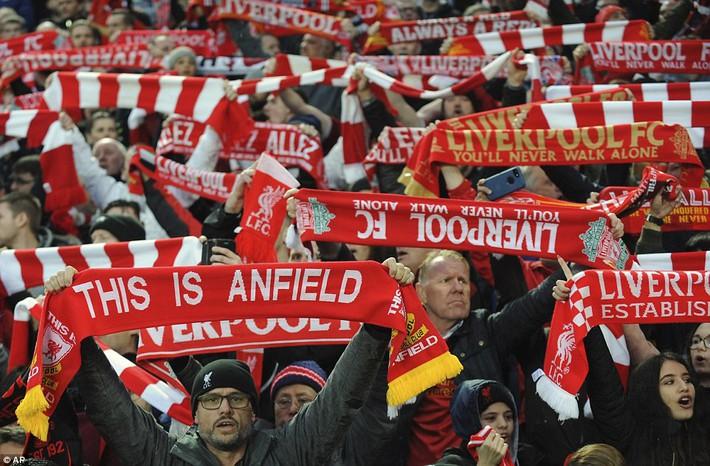 Salah khơi mào cho đêm Liverpool vùi dập AS Roma, khiến Barca tiếc đến ngẩn ngơ - Ảnh 4.