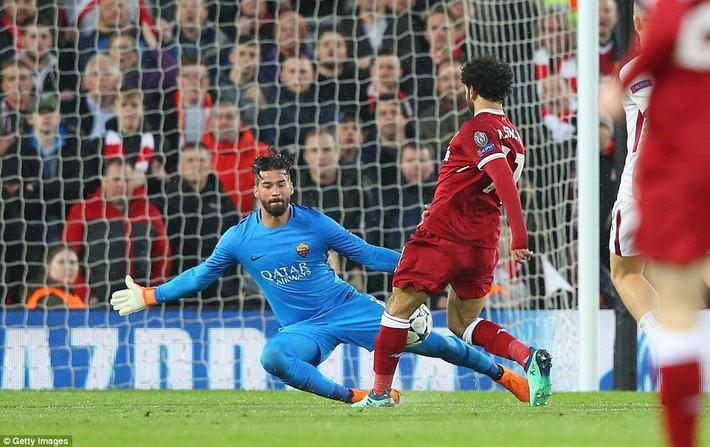 Salah khơi mào cho đêm Liverpool vùi dập AS Roma, khiến Barca tiếc đến ngẩn ngơ - Ảnh 3.