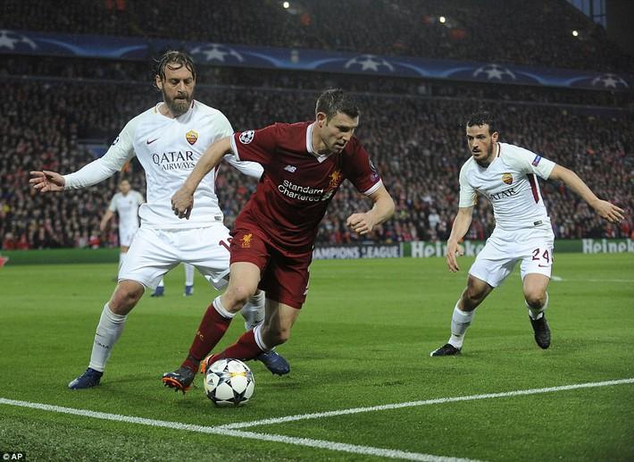 Salah khơi mào cho đêm Liverpool vùi dập AS Roma, khiến Barca tiếc đến ngẩn ngơ - Ảnh 16.