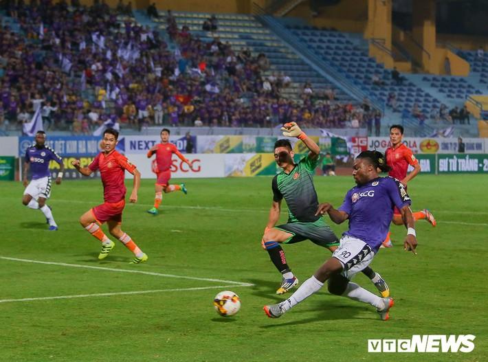 HLV Hà Nội lý giải nguyên nhân khiến sao U23 Việt Nam ngồi dự bị - Ảnh 2.