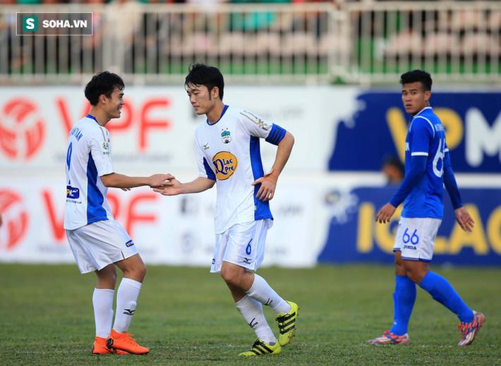 Từ thảm bại trước Hà Nội FC, Công Phượng và đồng đội tỏa sáng ở Pleiku - Ảnh 3.
