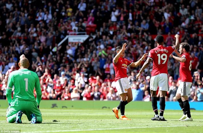Demi kiến tạo, Michael Carrick khiến ngày chia tay Man United ngập tràn tiếc nuối - Ảnh 12.