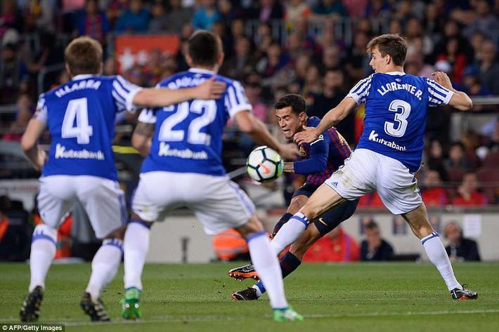 Huyền thoại Iniesta khóc nghẹn trong trận đấu cuối cùng khoác áo Barca - Ảnh 1.