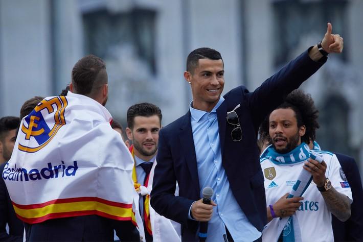 Cristiano Ronaldo, đừng ngoái đầu nhìn lại Old Trafford! - Ảnh 3.