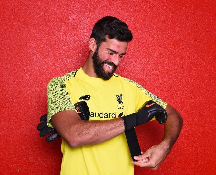 Bom tấn của Liverpool: Không có tình yêu vô bờ của anh trai, tôi đã bỏ bóng đá - Ảnh 3.