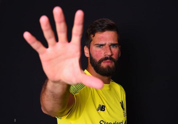 Bom tấn của Liverpool: Không có tình yêu vô bờ của anh trai, tôi đã bỏ bóng đá - Ảnh 2.
