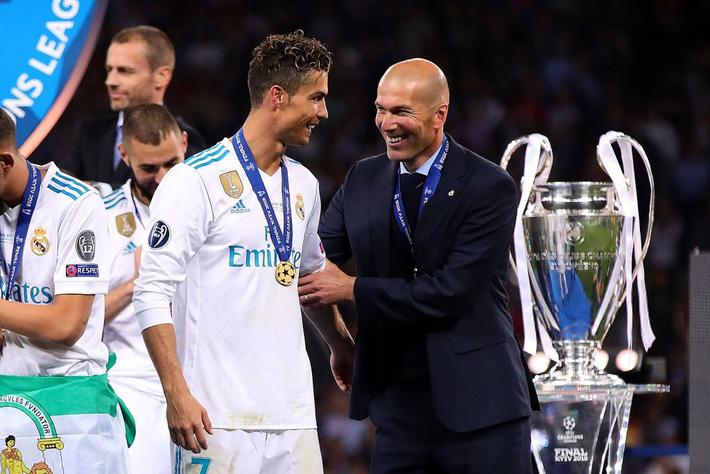 Cristiano Ronaldo: Hổ xuống đồng bằng, chó nhà khinh? - Ảnh 4.