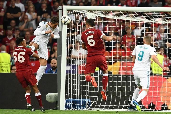 Cristiano Ronaldo: Hổ xuống đồng bằng, chó nhà khinh? - Ảnh 3.