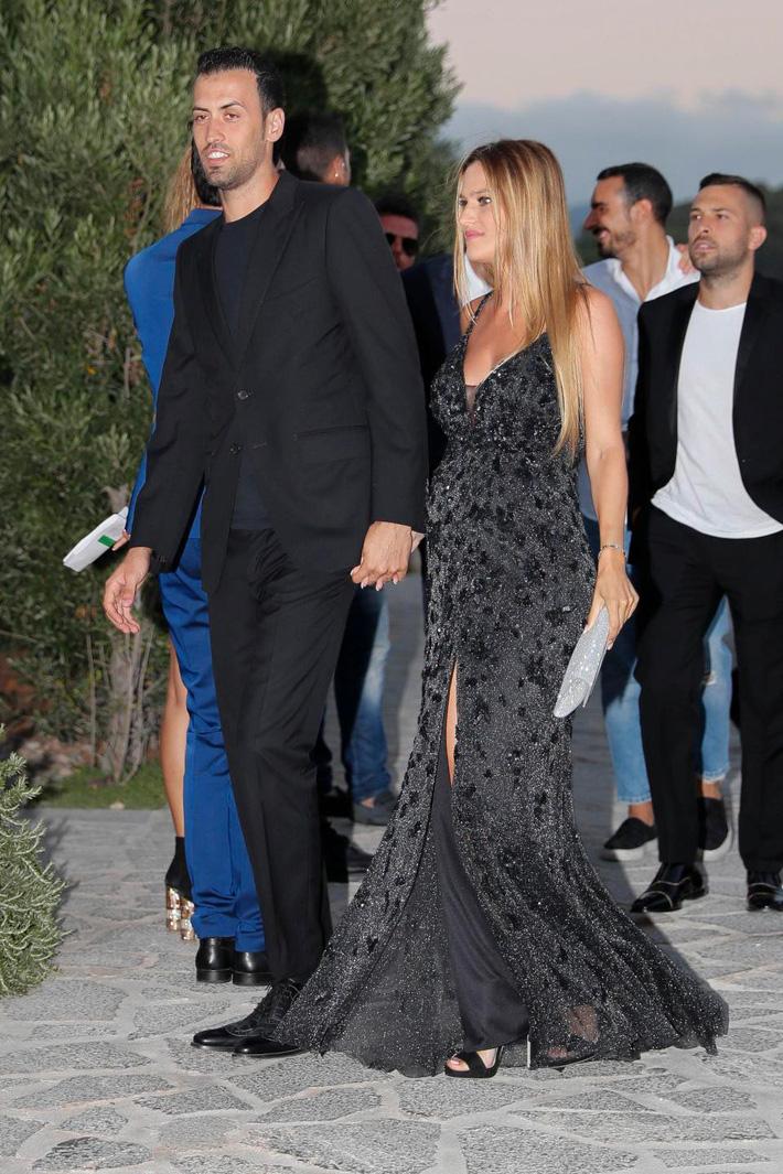 Fabregas đãi tiệc cưới, Messi và hàng loạt ngôi sao bóng đá đến chúc mừng - Ảnh 10.