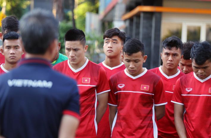 Trước nguy cơ bị loại, U19 Việt Nam còn gặp rắc rối trên đất Indonesia - Ảnh 1.