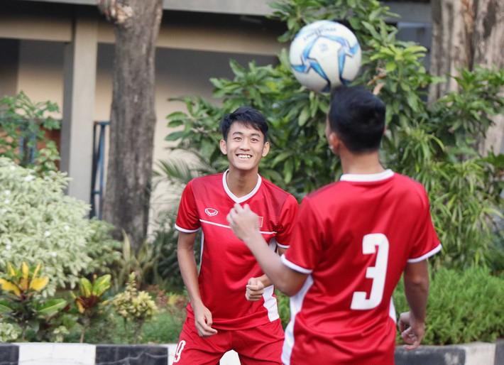 Trước nguy cơ bị loại, U19 Việt Nam còn gặp rắc rối trên đất Indonesia - Ảnh 8.