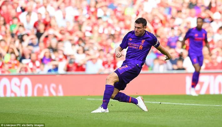 Sau màn vùi dập Man United, Liverpool dìm thêm Á quân Serie A trong mưa bàn thắng - Ảnh 10.