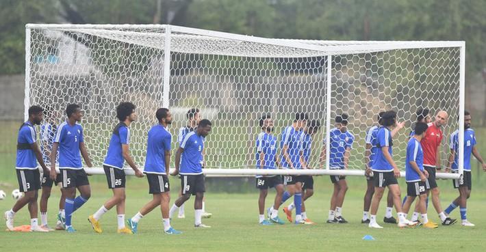 U23 UAE tập kỹ penalty, tự tin giành tấm HCĐ tại ASIAD - Ảnh 1.