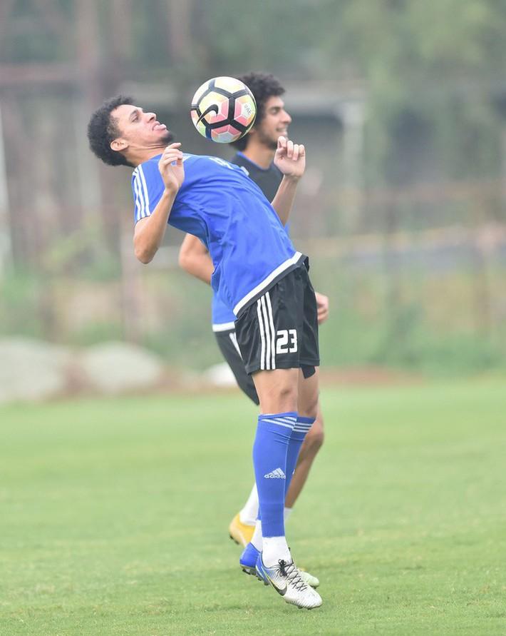 U23 UAE tập kỹ penalty, tự tin giành tấm HCĐ tại ASIAD - Ảnh 8.