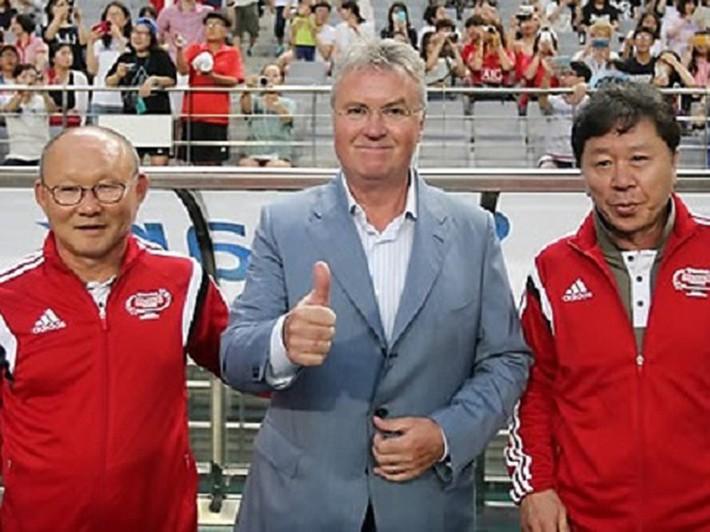 Park Hang-seo đụng độ thầy Hiddink - Ảnh 1.