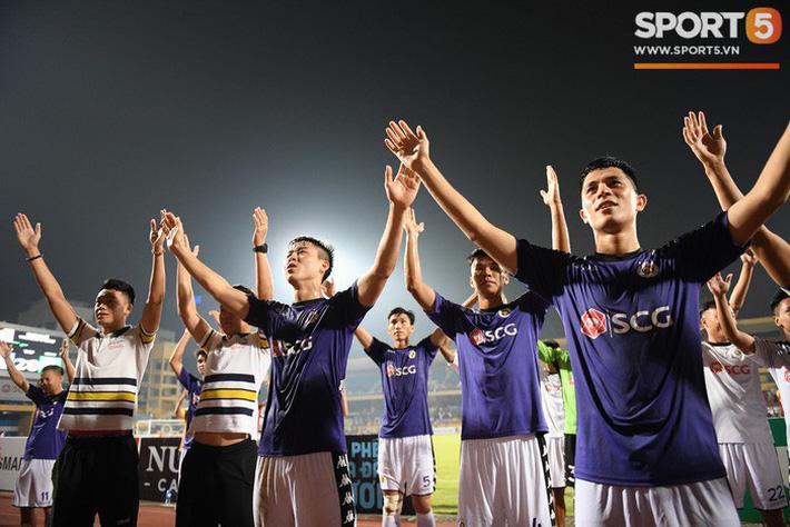 Hà Nội FC, chức vô địch V-League và những thứ không thể mua được bằng tiền - Ảnh 3.