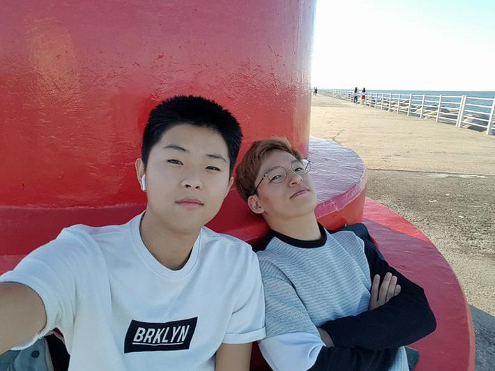 Ảnh đời thường của Lee Young Sub - trợ lý phiên dịch của HLV Park Hang Seo - Ảnh 5.
