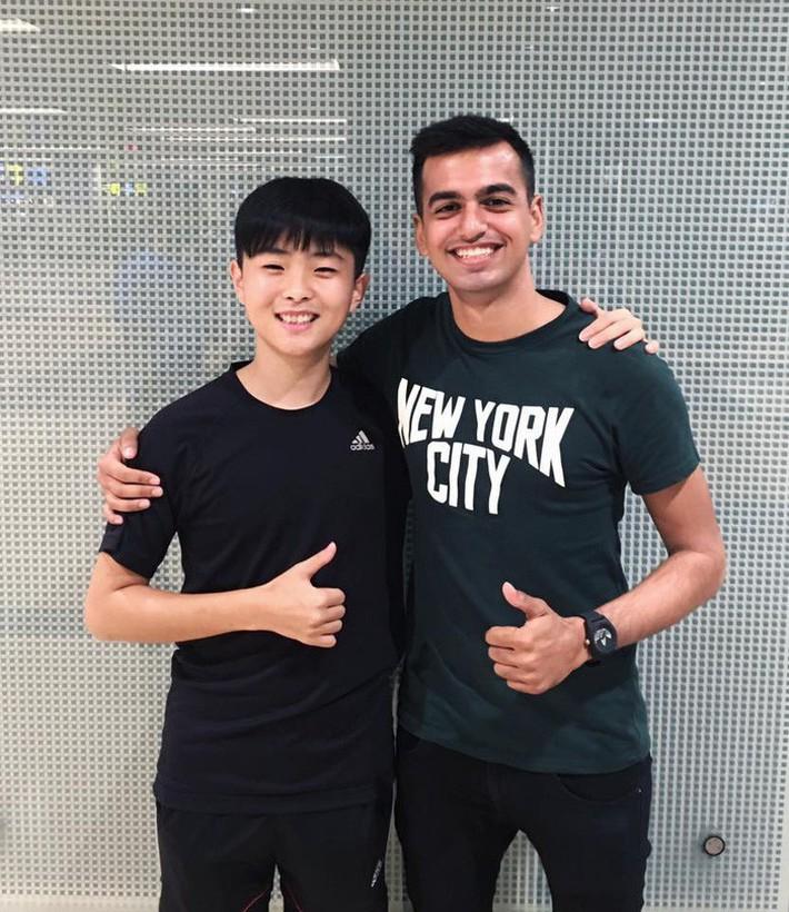 Ảnh đời thường của Lee Young Sub - trợ lý phiên dịch của HLV Park Hang Seo - Ảnh 9.