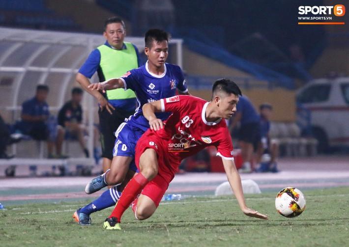 Trọng Đại khiến fan thót tim dù chỉ vào sân 10 phút cuối trận - Ảnh 3.