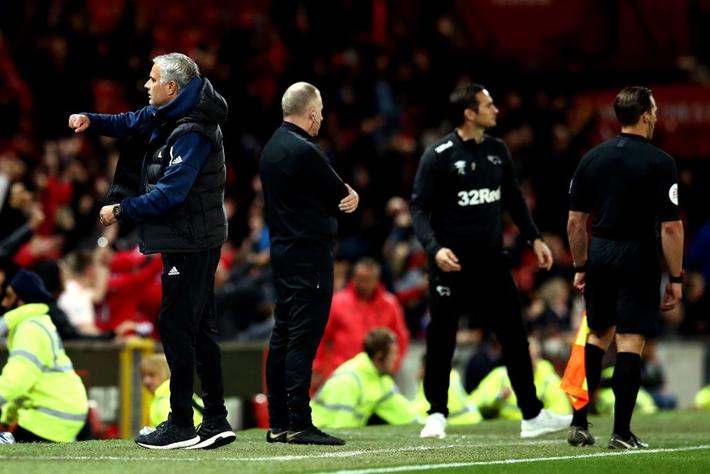 Man United chết, là bởi Mourinho không còn nắm nổi vận mệnh của mình - Ảnh 1.