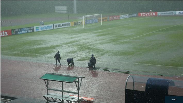 Giải vô địch U16 Châu Á bị hoãn vì mưa lớn, U16 Việt Nam có lý do để lo lắng - Ảnh 1.