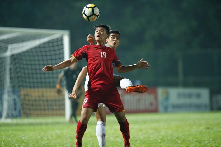 Chỉ trích U16 Việt Nam, còn ai nhớ U23 Việt Nam rũ bùn đứng dậy? - Ảnh 1.