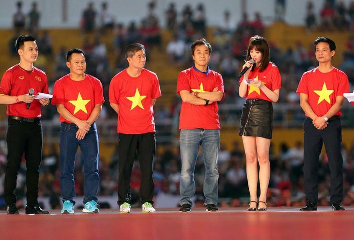 Hariwon được đề cử làm trợ lý thầy Park và những nữ nhân gây sốt làng bóng Đông Nam Á - Ảnh 1.