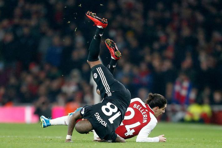 Dưới cái bóng của Man City, Man United đang run rẩy trong tay Mourinho - Ảnh 3.