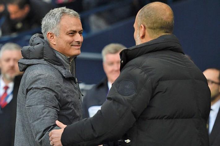"""Huyền thoại MU… kêu gọi Mourinho """"đầu hàng"""" Man City - Ảnh 2."""