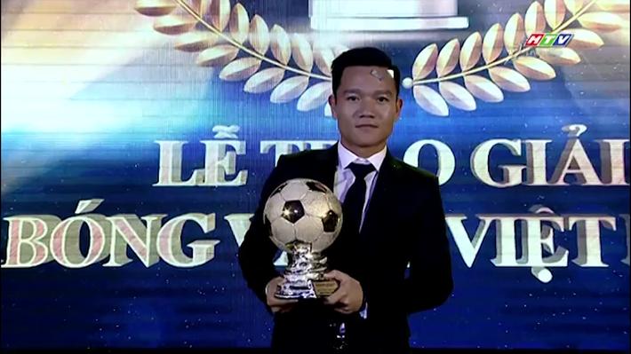 Đã tiến bộ rất nhiều, nhưng Gala Quả bóng vàng Việt Nam 2017 vẫn còn sạn - Ảnh 2.