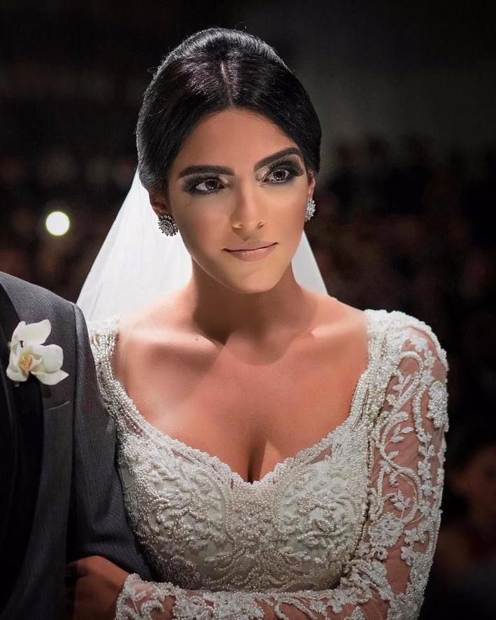 Mục tiêu mới của Man Utd có vợ đẹp như Kendall Jenner - Ảnh 6.