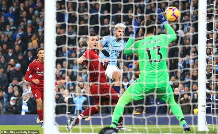 Đánh bại Liverpool bằng 2 cú đòn sắc lẹm, Man City giải cứu cuộc đua Premier League - Ảnh 4.