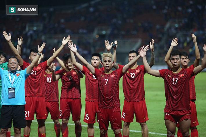 """Báo Malaysia: """"Áp lực từ sự kỳ vọng có thể khiến tuyển Việt Nam gục ngã"""" - Ảnh 1."""