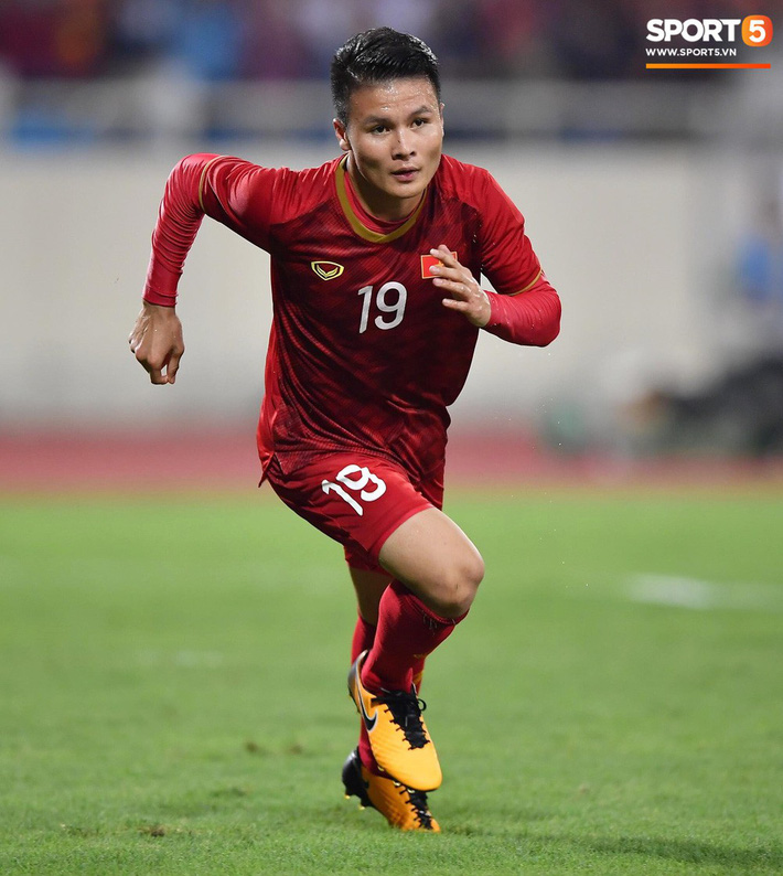 Mải mê ăn mừng siêu phẩm của Quang Hải, các cầu thủ Việt Nam bỗng quên mất kế hoạch đặc biệt dành cho Xuân Trường - Ảnh 10.