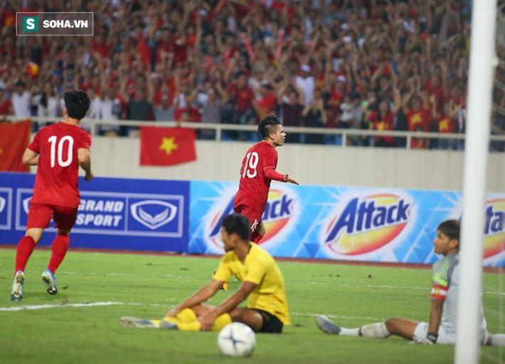 """Quang Hải để lại khoảnh khắc thiên tài, Việt Nam """"tặng"""" cho Malaysia bài học nhớ đời - Ảnh 4."""