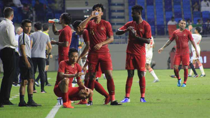 Thua thảm UAE, báo Indonesia vẫn đặt ra viễn cảnh đánh bại Việt Nam, Thái Lan để đi tiếp - Ảnh 1.